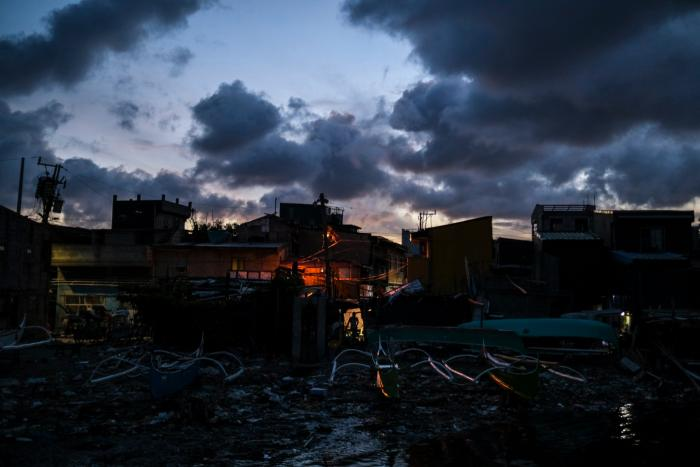 VEEJAY VILLAFRANCA Manila's changing landscape and urban displacement make it toBloomberg's best of 2019 images